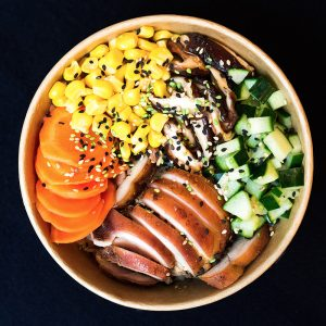 Poké Bowl-Oost Amsterdam Chicken champion bowl